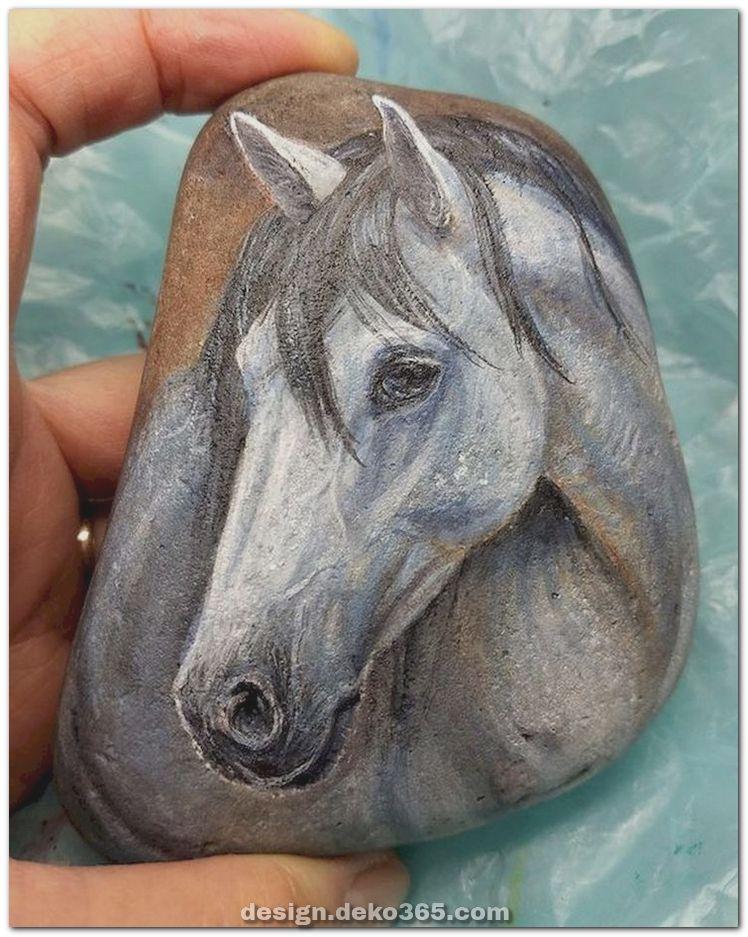 Schöne überraschende DIY-Projekte Painted Rocks Animals Horse zu Gunsten von Sommerideen #bemaltekieselsteine