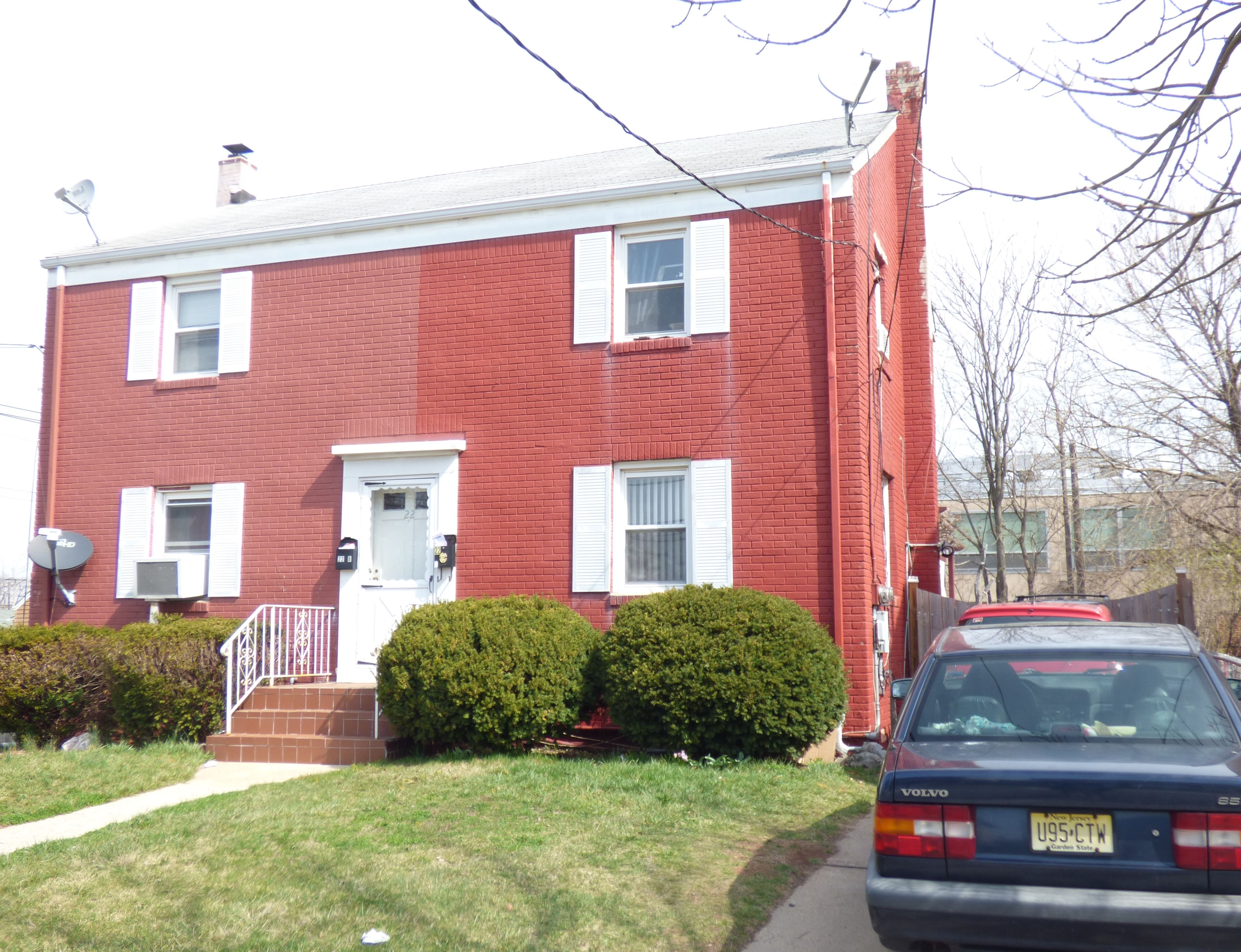 Spacious half duplex features full finished basement