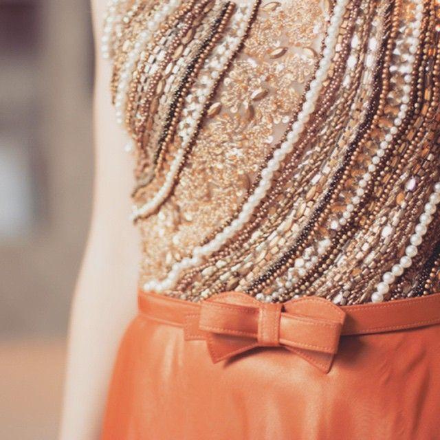 Paixão a primeira vista!!! ❤️❤️❤️ #brilho #glamour #douradocomlaranja #vestidosdefesta #lenaatelie #coleçao2015 #dresses #uberlandia #fashion #madrinhas #formandas #hautecouture