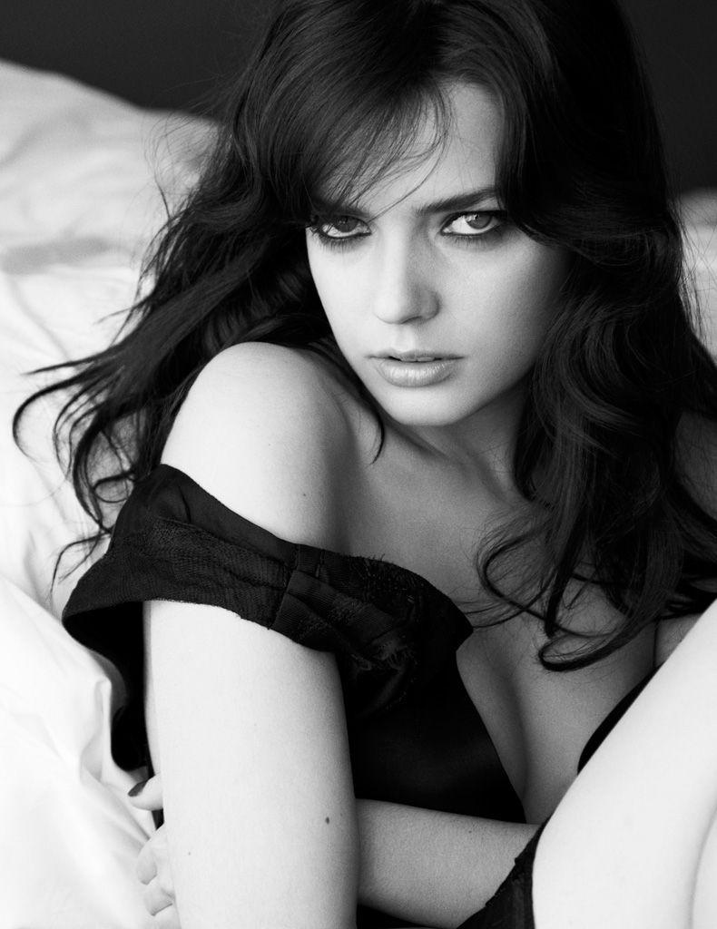 10 Stunningly Simple Tutorials For The Best Eye Makeup: Actriz Francesa