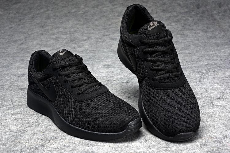 verdad personalizado Demonio  Nike Tanjun Women's Running Shoes All Black | Womens running shoes, Shoes, Nike  tanjun