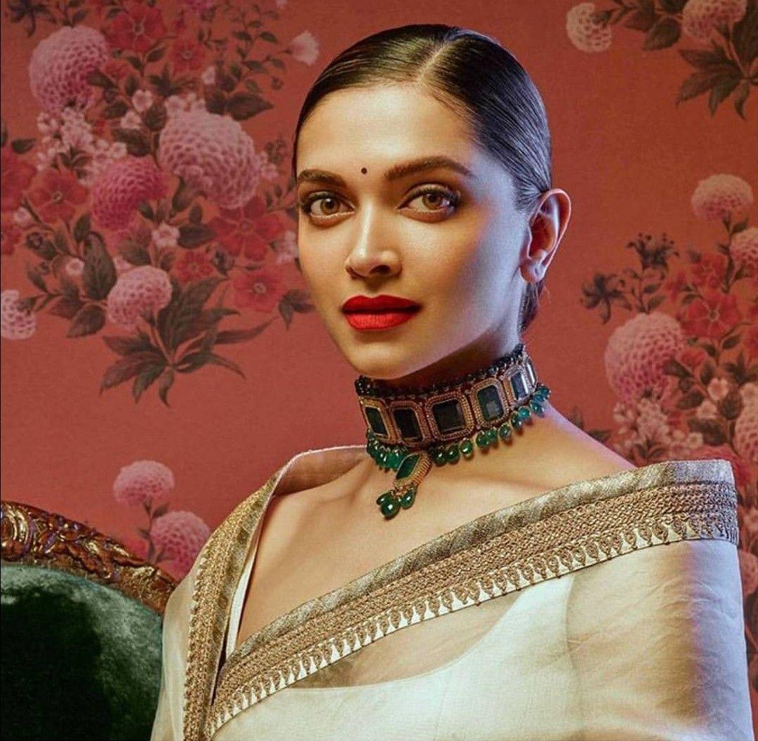 Speechless😍😍 | Deepika padukone hair, Sabyasachi, Deepika ...