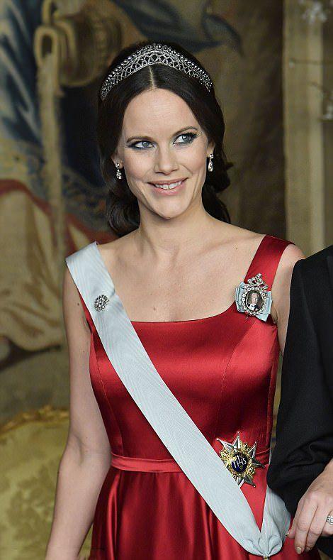 Princess sofia of sweden wears the cut steel bandeau tiara - Princesse sofya ...
