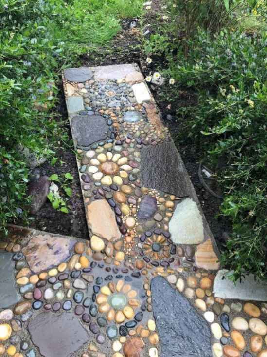 Photo of 09 Beautiful DIY Mosaic Garden Path Decorations For Your Landscape Inspiration – Insidexterior