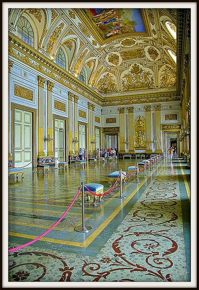 Reggia di caserta caserta palace por claudio marchiori italy pinterest palace italy - Interior designer caserta ...