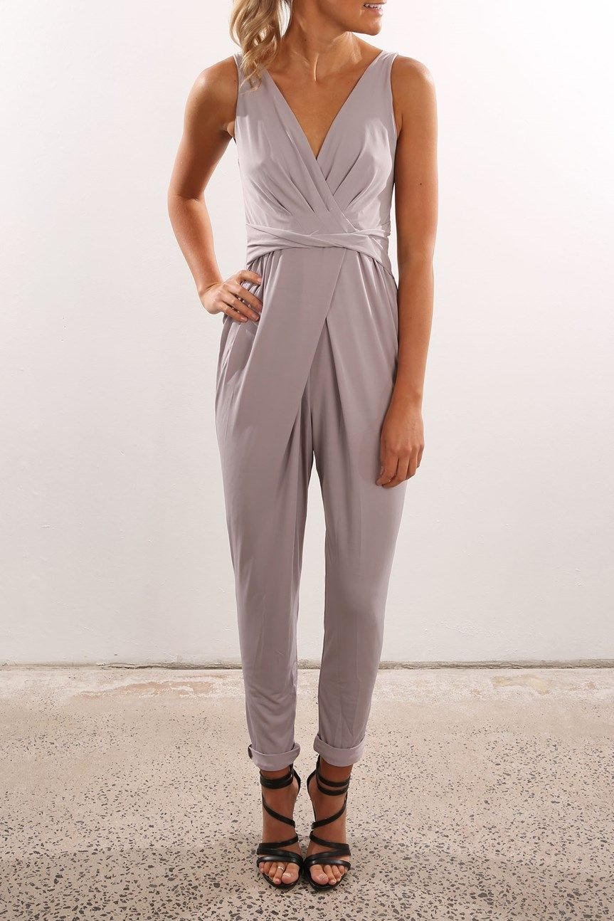 I'm normally not one for jumpsuit with long legs, but this one is super cute!