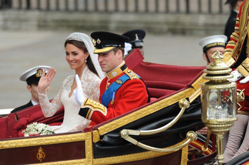 Jede Handbewegung sitzt: Nach der bewegenden Zeremonie in der Westminster Abbey...