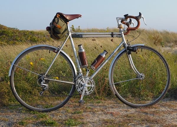 Making An Ordinary Vintage Roadbike Extraordinary A Review Of