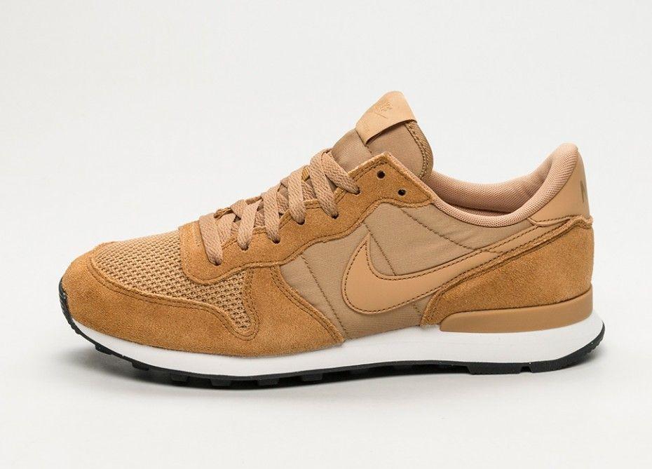new arrival 28c1f c8df9 Nike Internationalist SE (Elemental Gold   Elemental Gold - Sail - Black)