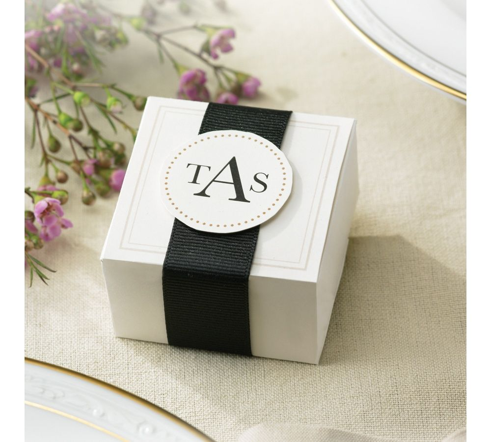 Elegant Ivory Wedding Favor Boxes | #exclusivelyweddings ...