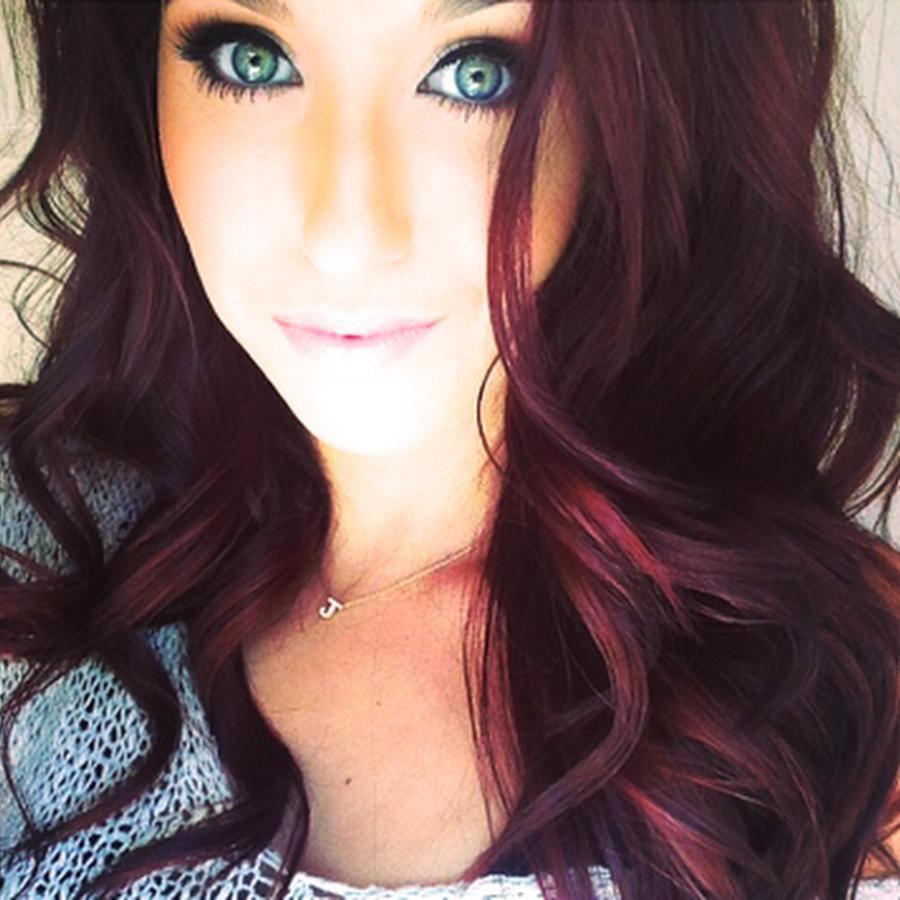 Jaclyn hill my favorite youtube beauty guru always on her