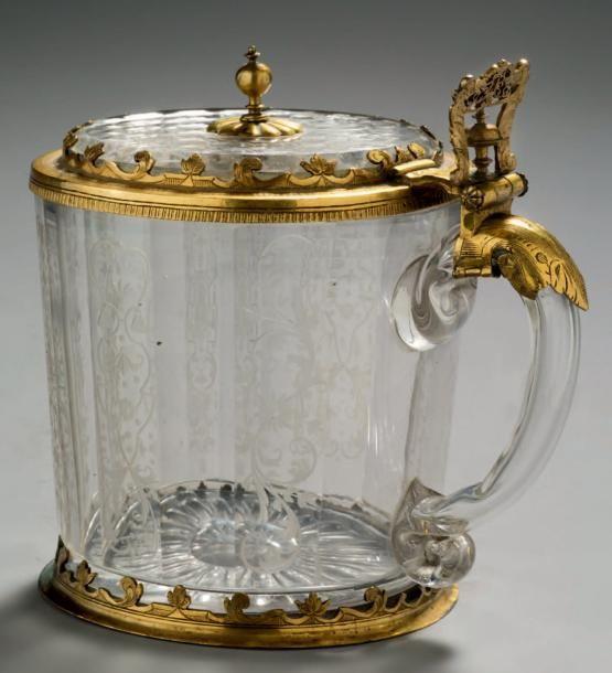 CHOPE EN CRISTAL Cristal gravé et bronze doré H: 14.5 cm - l: 15 ...