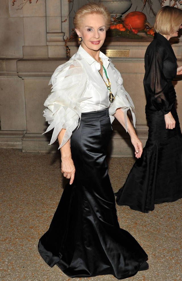 14 Times Carolina Herrera Proved That A White Blouse And Jewels Are