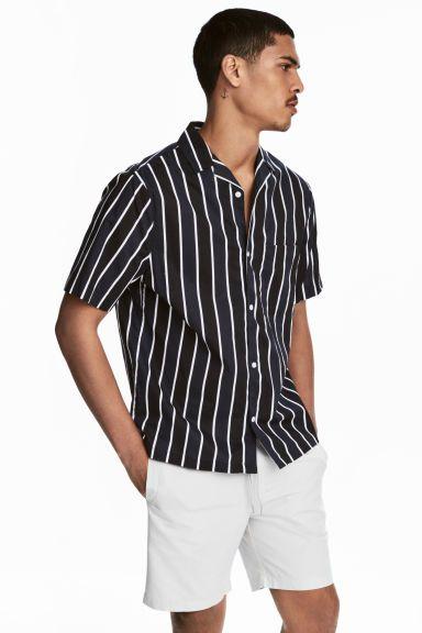 274c5a8ec5cb76 Short-sleeved resort shirt in 2019 | Style | Urban fashion women ...