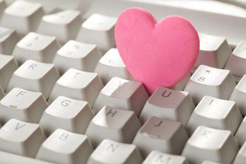 O perigo dos relacionamentos virtuais | amenteemaravilhosa.com.br