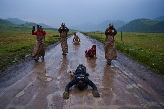 Pilgrims on the Tea Road to Lhasa
