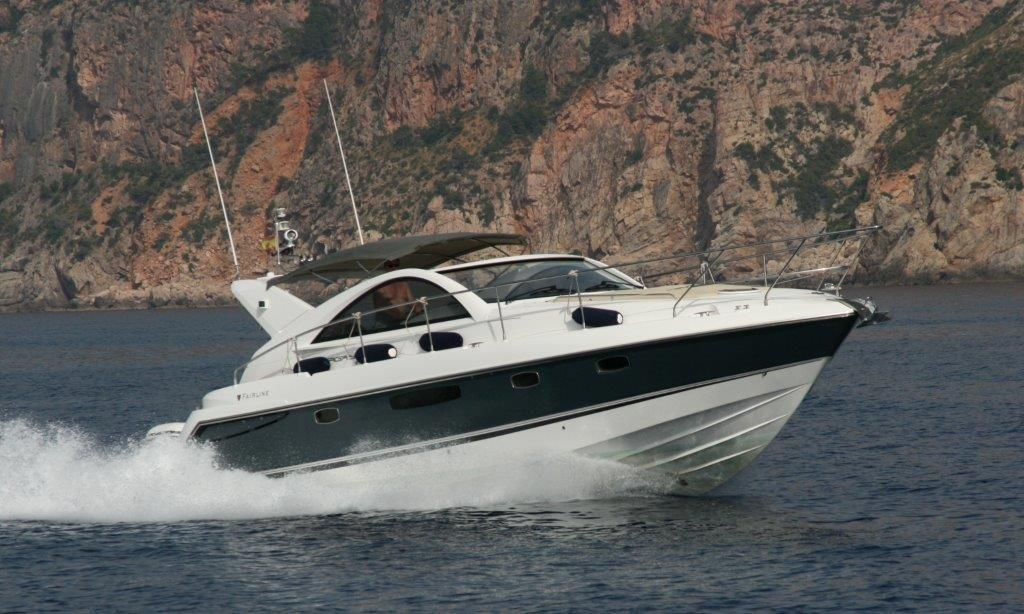 Fairline Targa 38 From 2011 With Steel Blue Grp Hull Low Hours On Both Volvo D4 300 Engines Each 300hp With Side Power Bow Yacht Broker Yacht For Sale Yacht