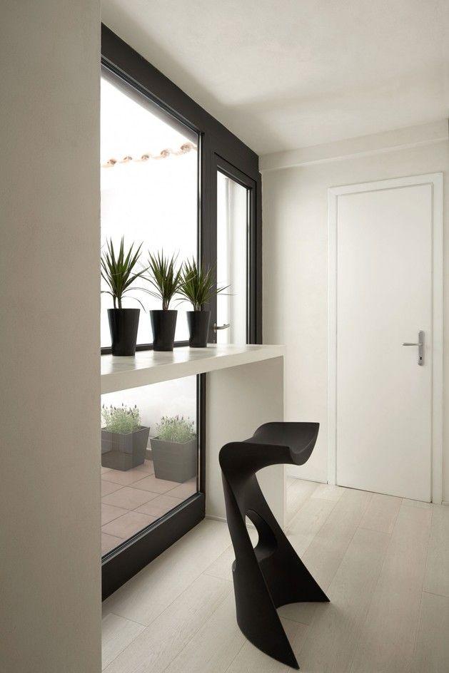 Erstellen von Persönlichkeit in einem weißen Apartment
