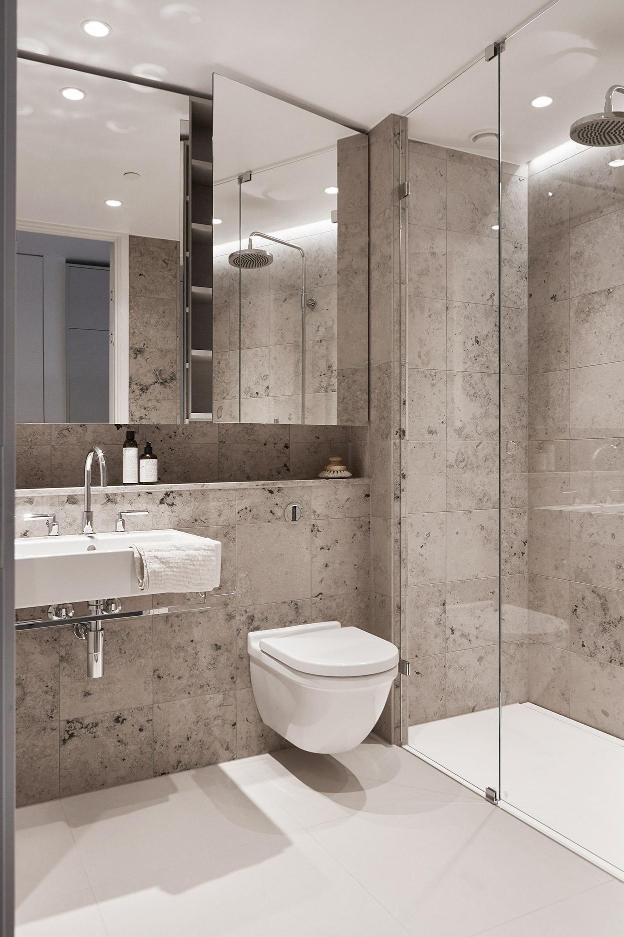 25 Minimalist Small Bathroom Ideas Feel The Big Space Minimalist Bathroom Modern Bathroom Design Bathroom Interior Design