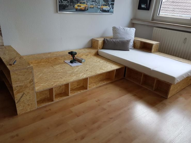 Sofa Selber Bauen Mit Diesem Bauplan Dieses Sofa Ist Ein Kombinationswunder Sowohl Als Eckkombination Als Schlafm Sofa Selber Bauen Diy Wohnung Diy Zuhause