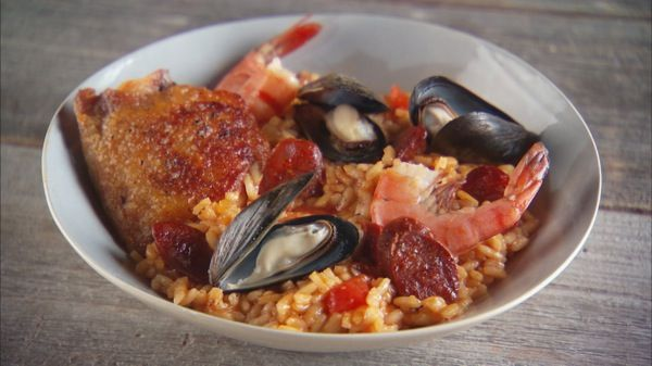 Seafood and chicken paella recipe chicken paella pbs food and seafood and chicken paella recipe forumfinder Images