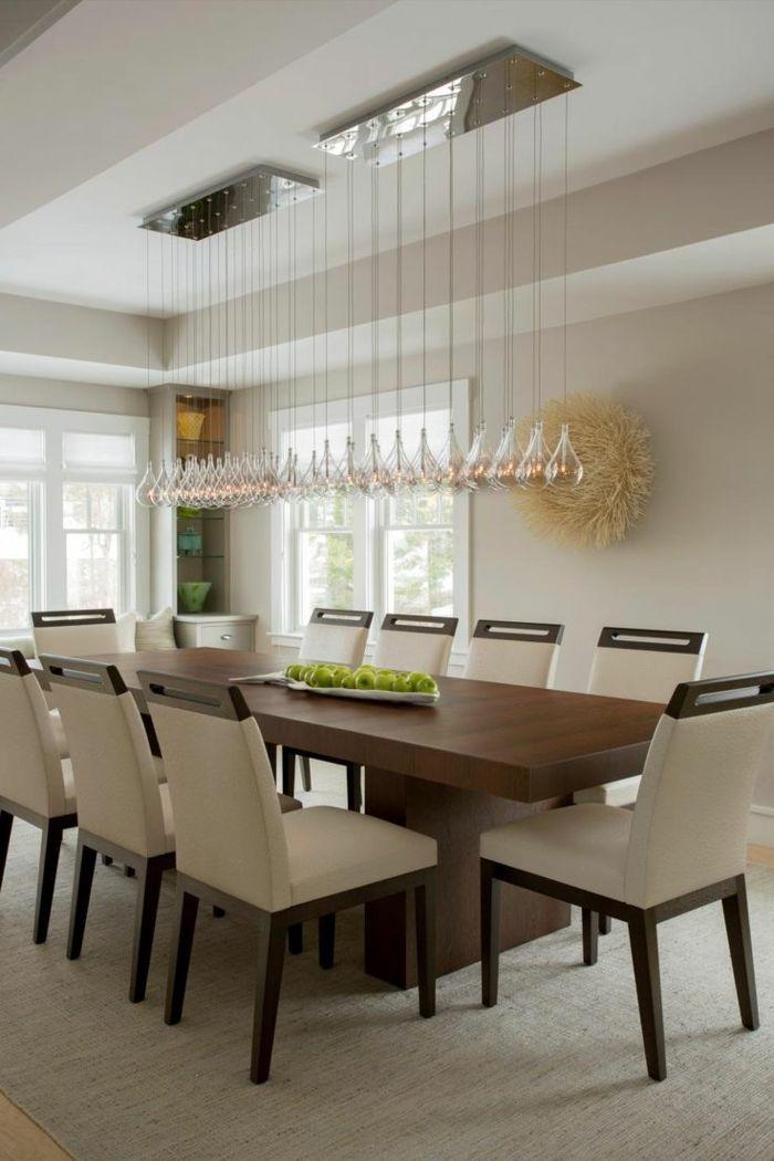 Comedor moderno comedor simple con mesa de madera y sillas en beige e iluminaci n super - Iluminacion salon comedor moderno ...