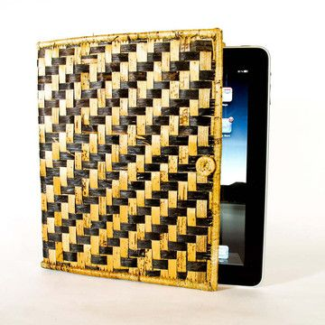 if i had an ipad i would have this case. I may buy an ipad to purchase this case.