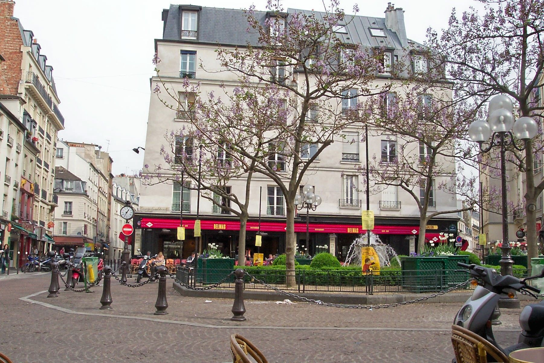 "Chapter 8 - Bill and I were enjoying a peaceful walk through Paris.  ""We turned to the right off the Place Contrescarpe, walking along smooth narrow streets with high old houses on both sides"" (83). We continued walking along this way for quite some time enjoying the beautiful scenery."