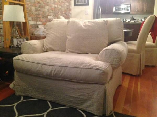 Extra Large Over Stuffed Arm Chair   Cream Tone On