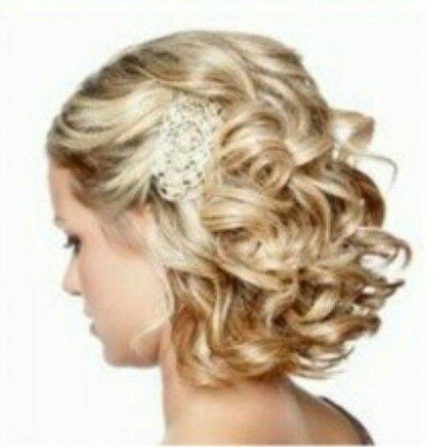 Coupe au carre coiffure mariage cheveux Short wedding