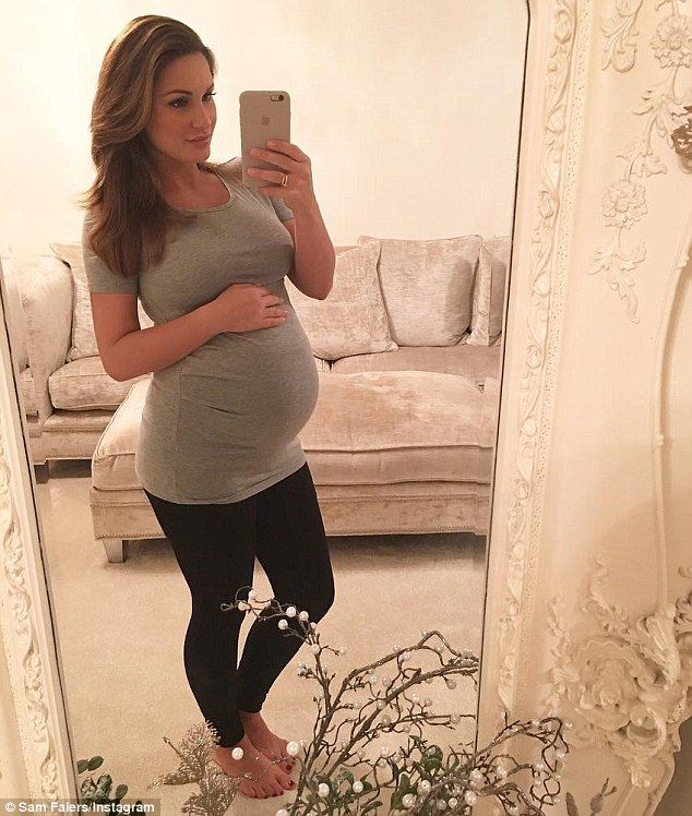 ad87481e3a47e Heavily-pregnant Sam Faiers displays her changing shape in a tight T-shirt  as she poses for festive selfies at home | Daily Mail Online