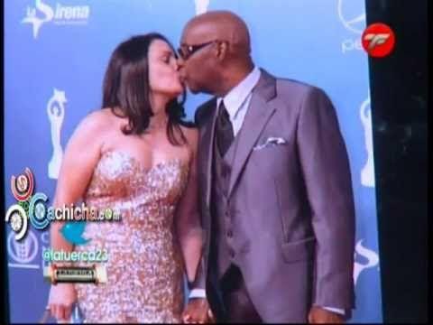 Las Figuras que se besaron en premios #Soberano 2013 @RoberSanchez01 en @LaTuerca23 #Video - Cachicha.com