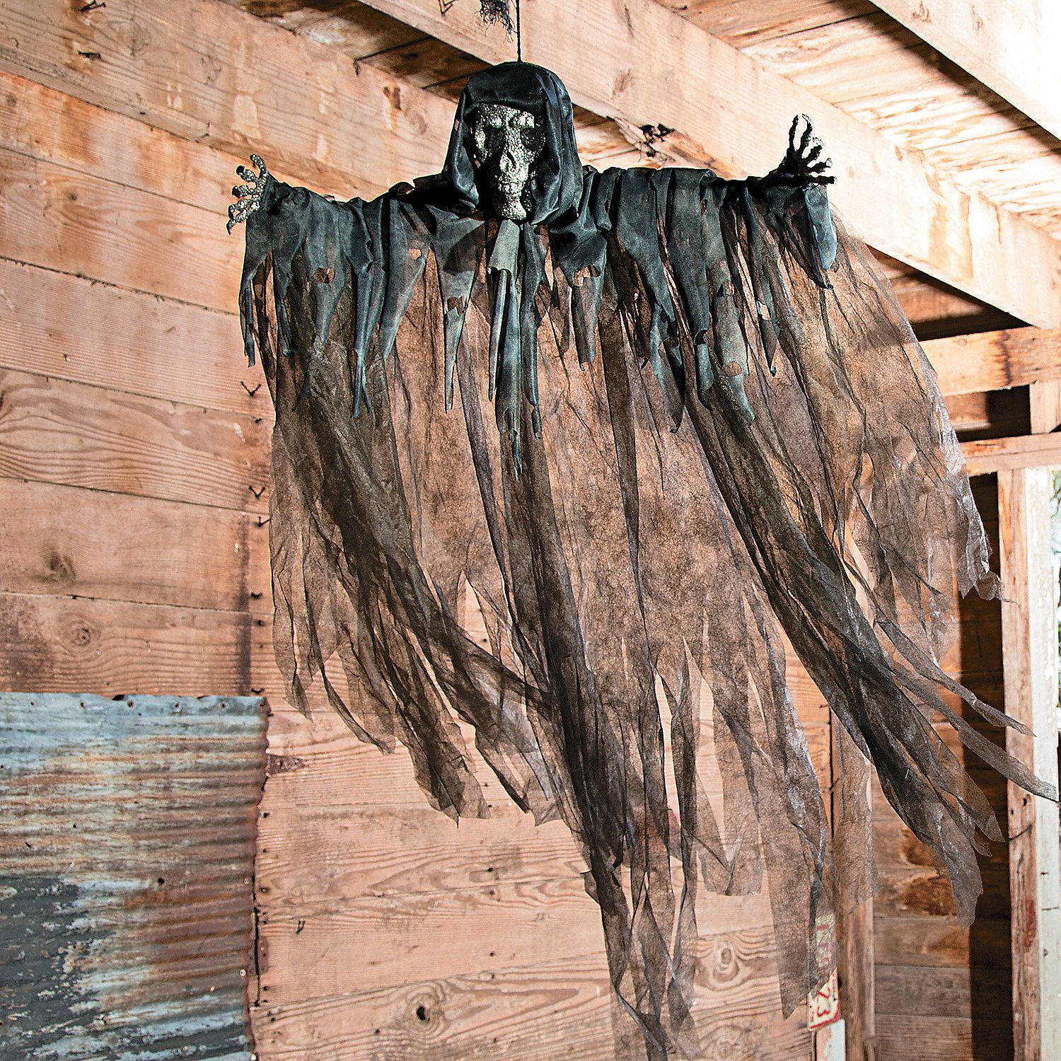 Paint the face and hands black and you have a dementor ...