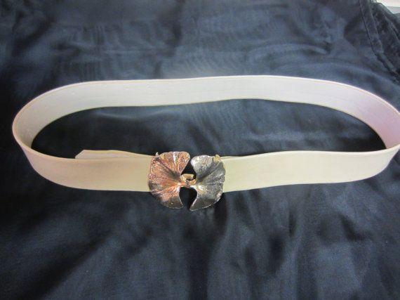 1981 Vintage Mimi Di N Gold leaf belt by GrandStringOfThings, $20.00