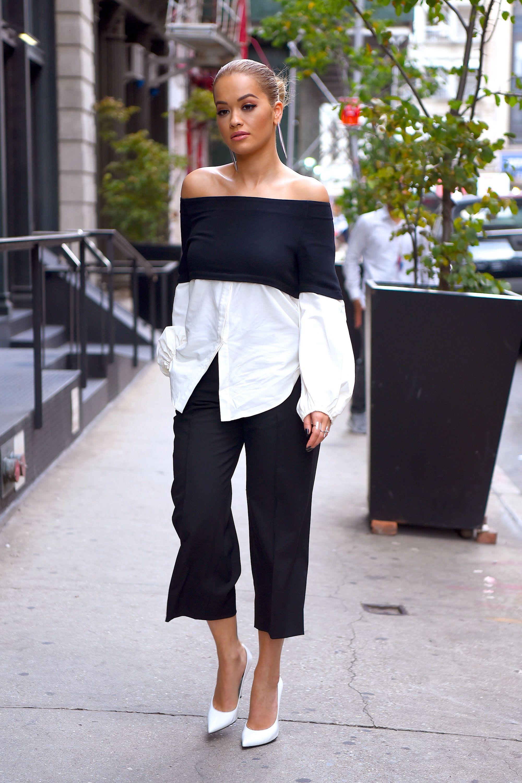 160dfa0802709 Rita Ora in black and white off the shoulder top