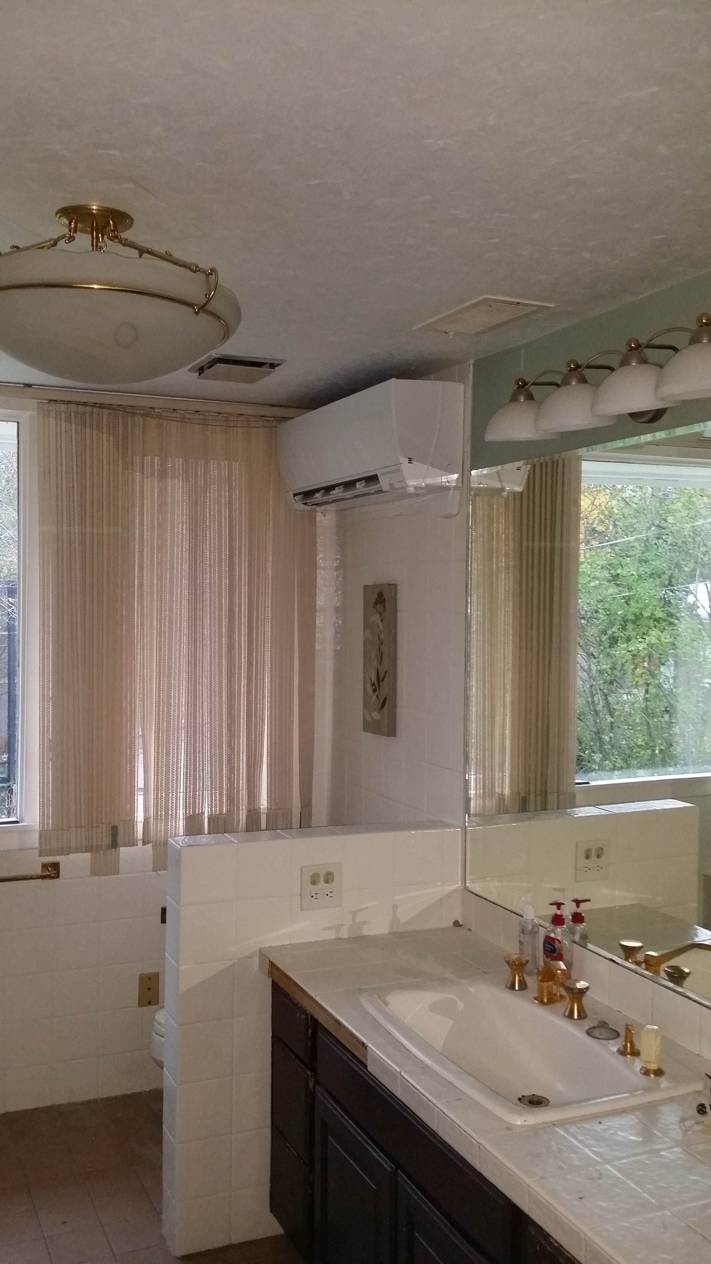 Mitsubishi Wall Mount In Master Bathroom With Images Ductless