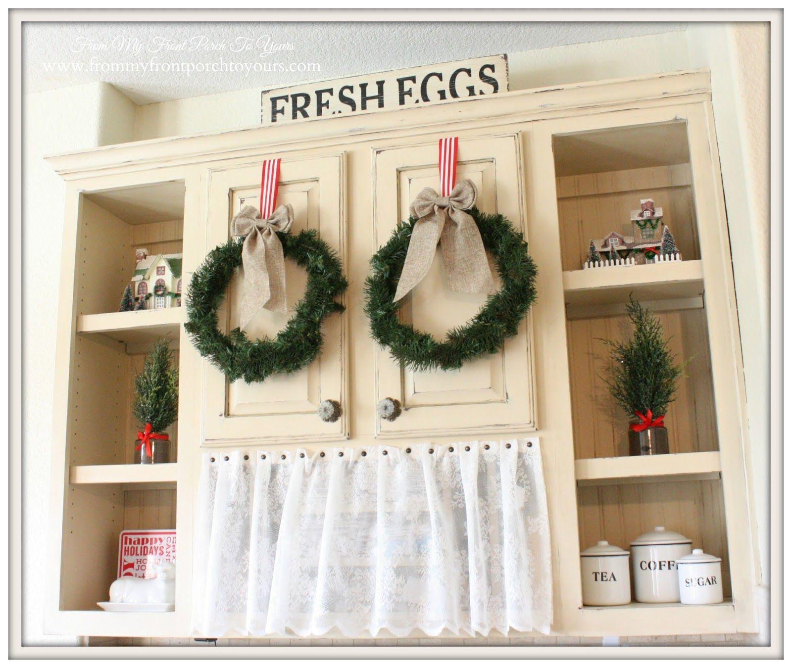 Farmhouse Kitchen Christmas Decor: French Farmhouse Christmas Kitchen