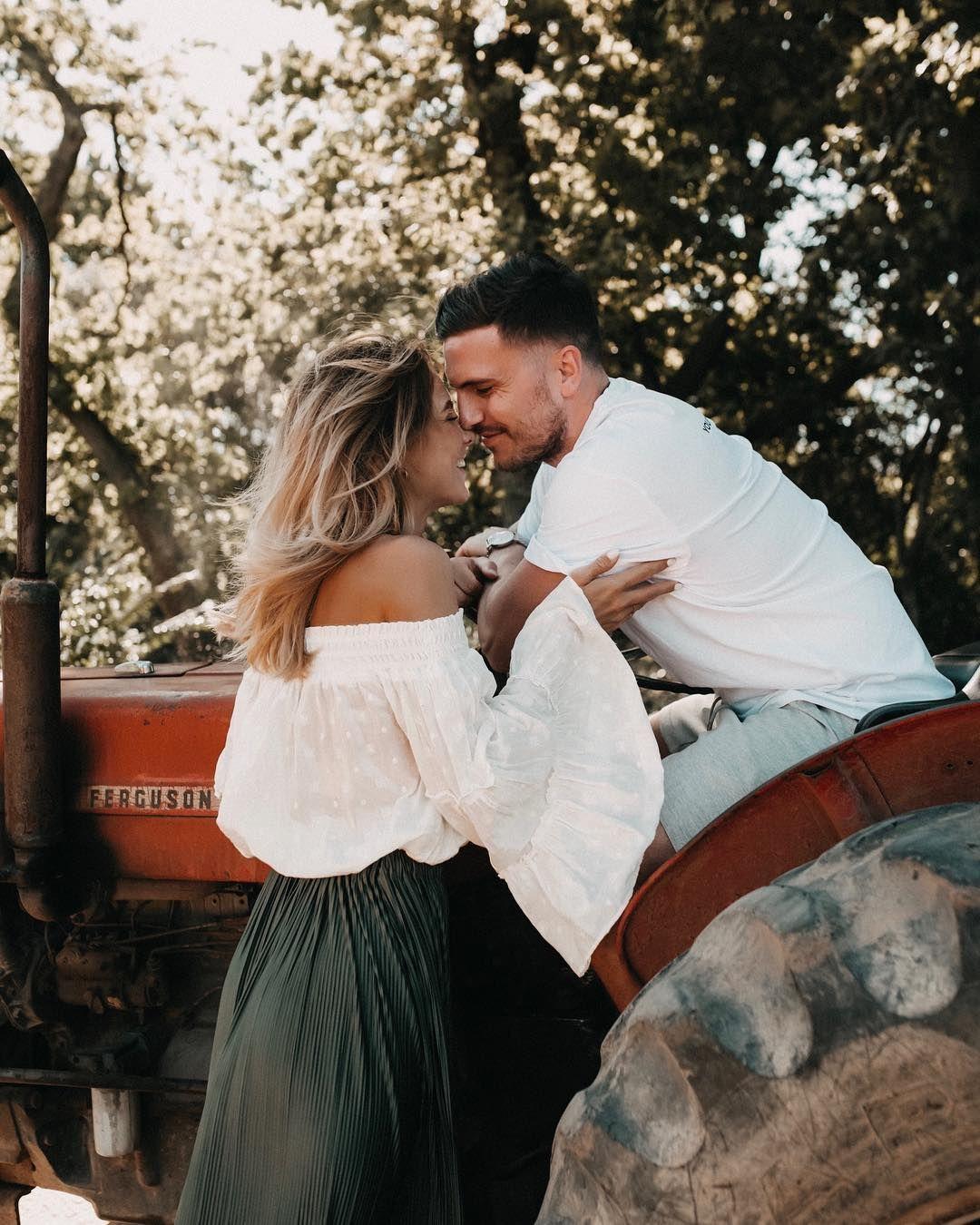Fashion Lifestyle Travel On Instagram Bauer Sucht Frau Knopf Und Ich Haben Heute Endlich Unsere Eheringe Geplant Wir Haben Uns Den Ringtausch