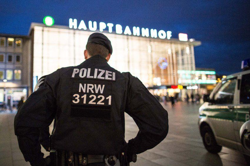 Personalnot: Bundespolizei zieht Kräfte vom Kölner Bahnhof ab - SPIEGEL ONLINE - Panorama