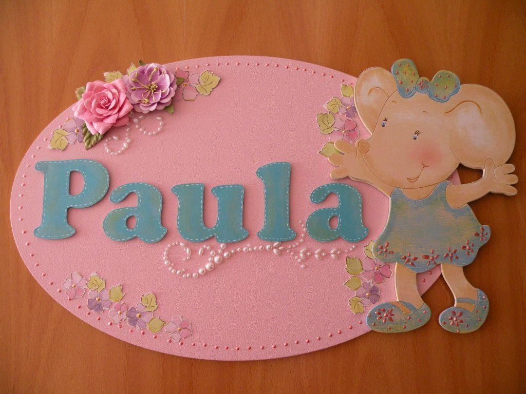 Placa de puerta para Paula. Ovalo de madera. Ratona de madera de DM, decorado y pintado a mano.