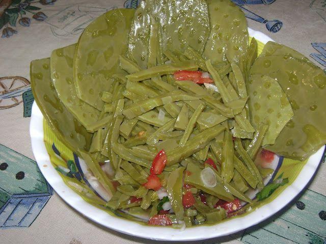 Ensalada de Nopales  La tragazon  Comida mexicana