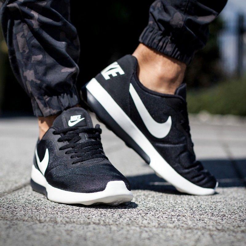 Nike Md Runner  Lw Women S Running Shoes Bronze