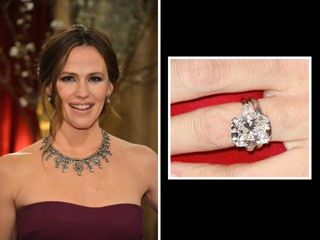 Jennifer Garner: Ben Affleck Proposed With This 4.5 Carat Cushion Cut Diamond  Ring By