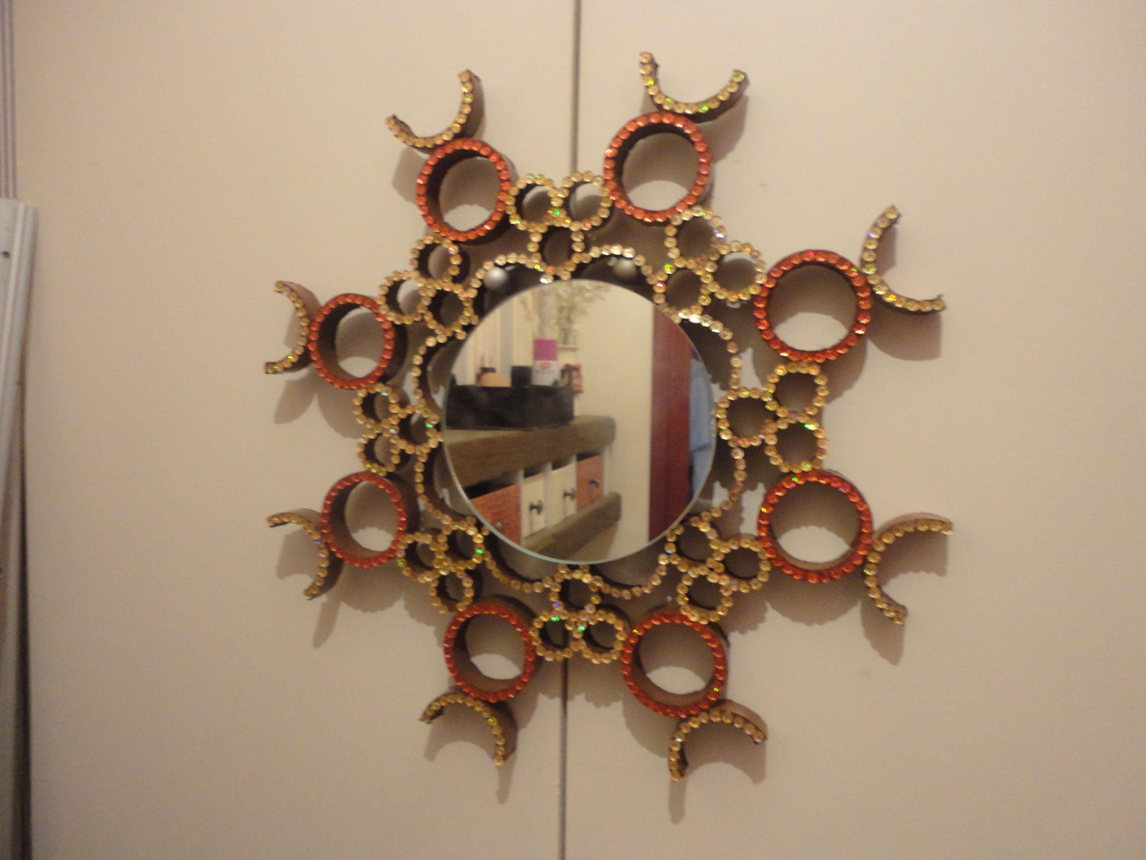 y que pensis si os digo que este espejo es reciclado con mucho brillo como