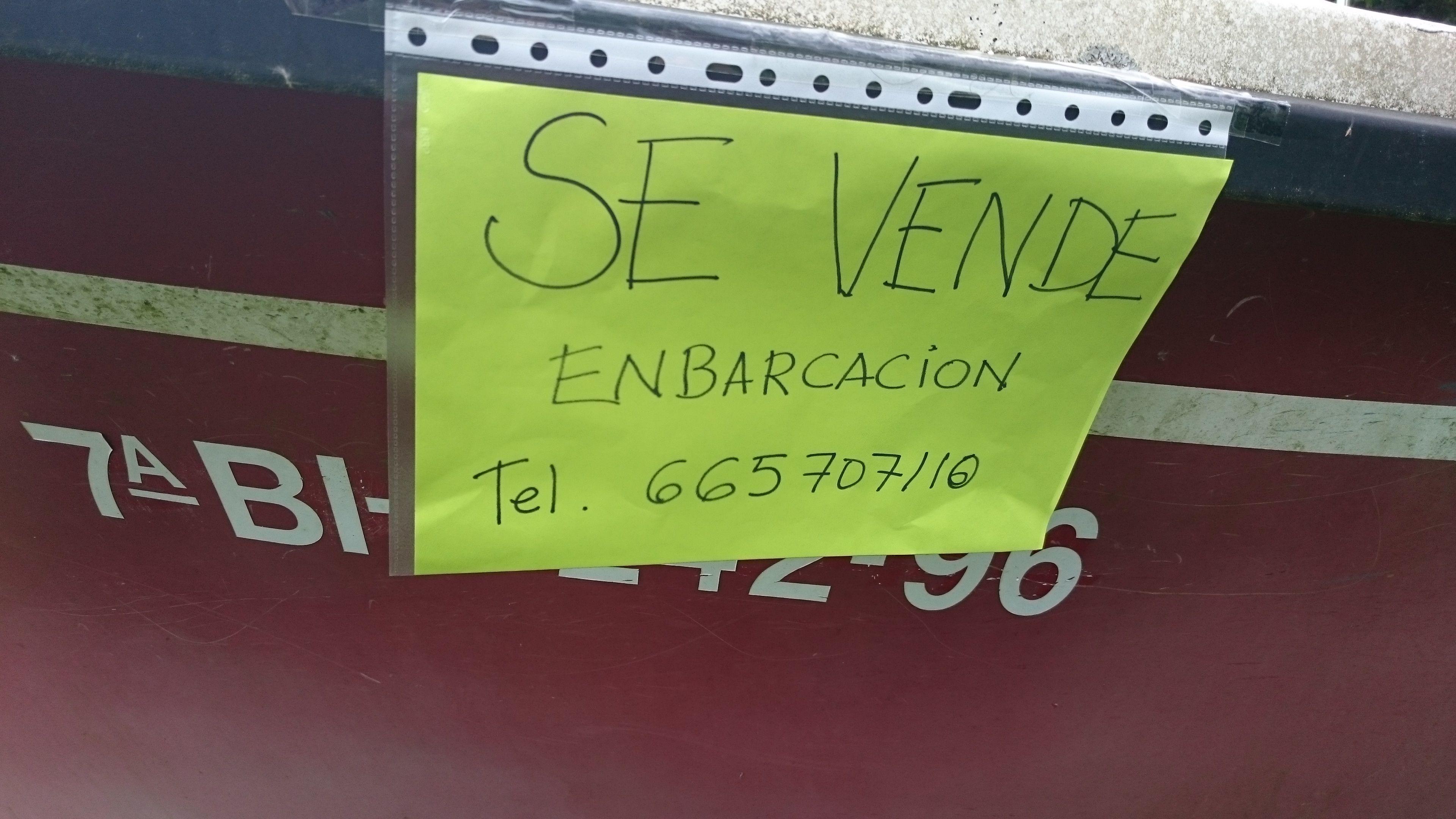 En este cartel, donde se indica la venta de un barco, está mal ...