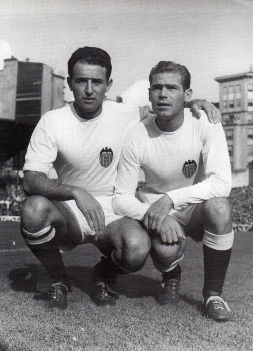 PUCHADES Y PASIEGUITO, jugadores del Valencia F. C.