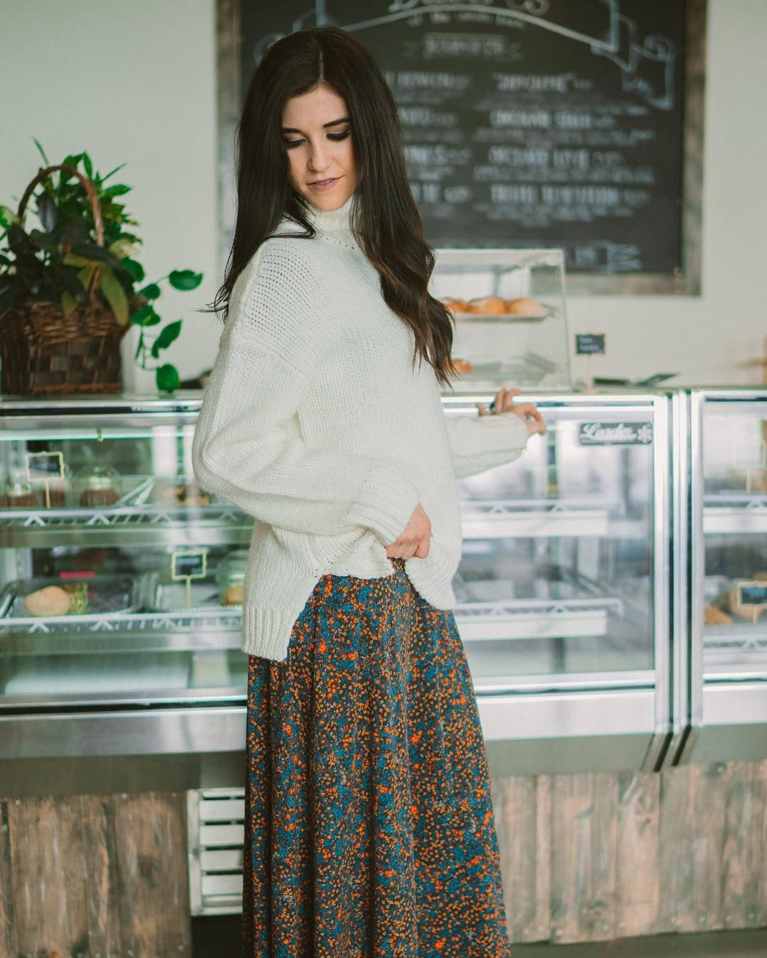 Just Throw A Chunky Sweater Over Your Ana Maxi Dress And Your Are Ready To Brace The Cold No Sh Sweater Over Dress Winter Maxi Skirt Outfit Maxi Skirt Outfits [ 1349 x 1080 Pixel ]