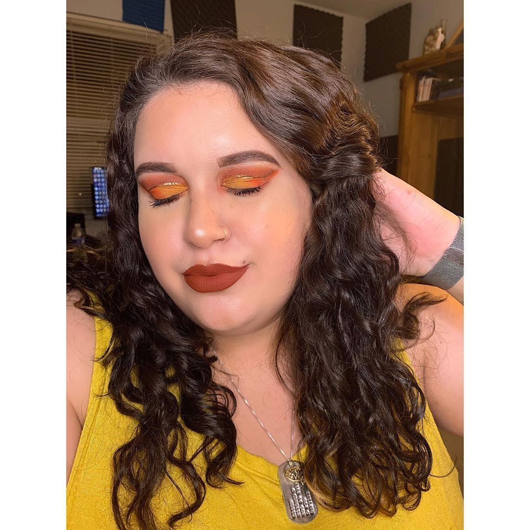 Fall Glam Look 🍂🍁 . 📸 @aphrodites_makeup 💄Products Used💄 My TLips - Brick Promo c