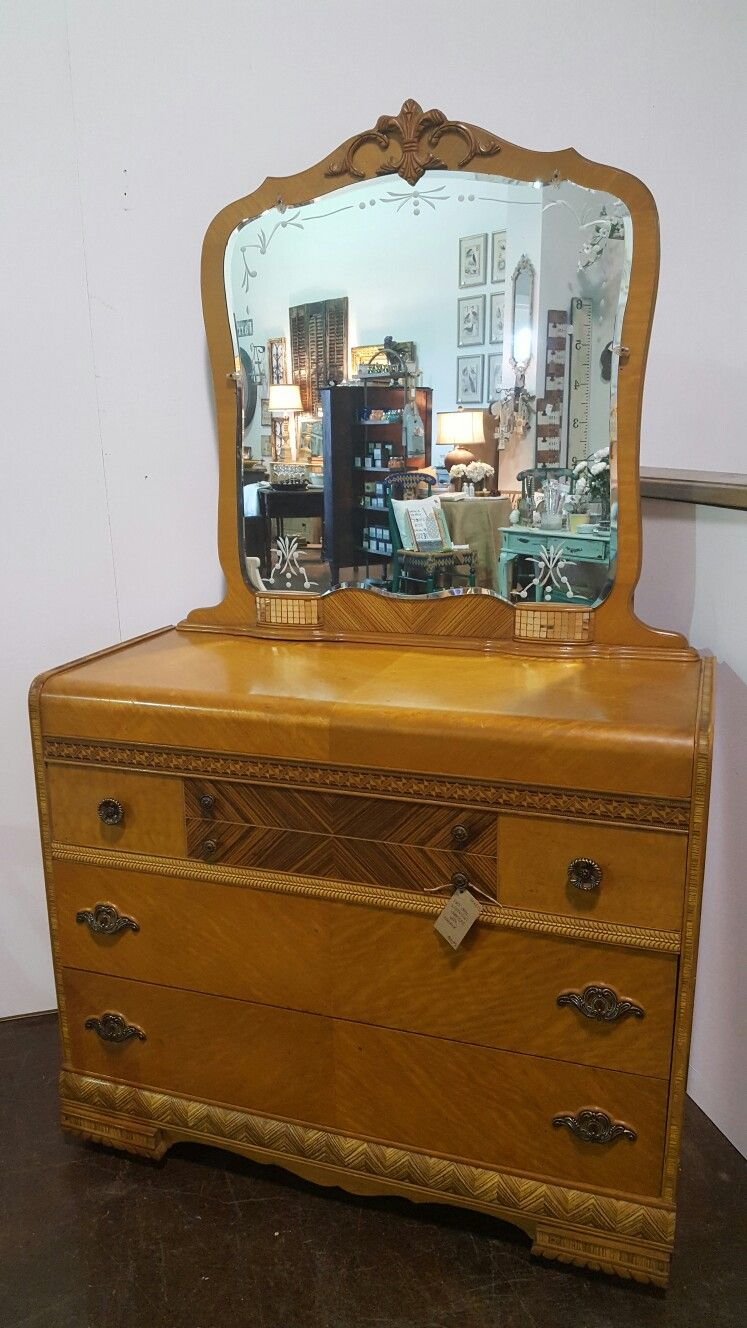 Antique furniture - Fabulous Art Deco Waterfall Dresser On Wheels With Matching Etched