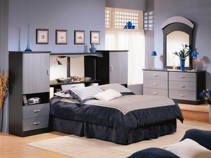 The bed with Mirror headboard